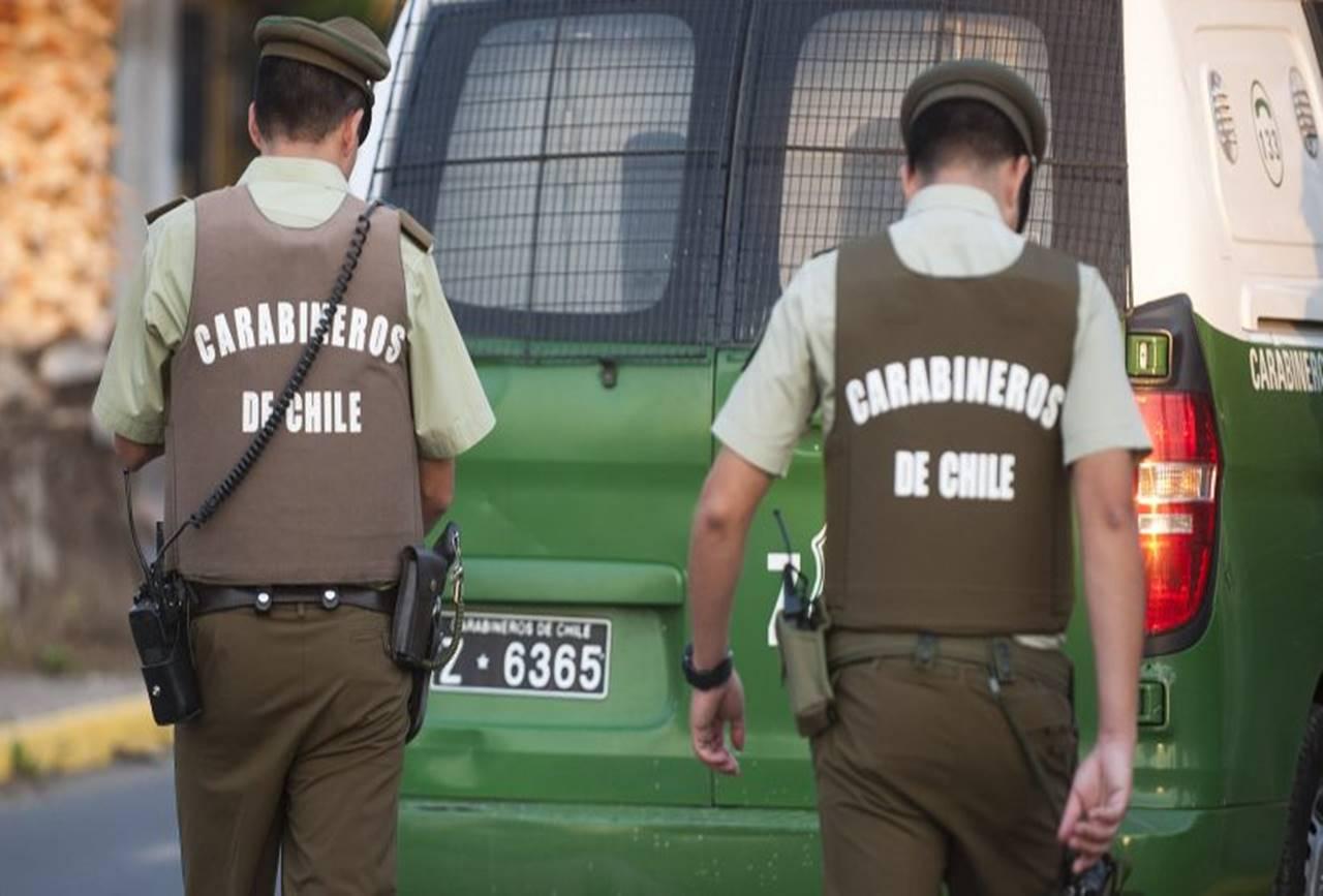 Photo of 3 hombres detenidos tras robo en tienda de Temuco