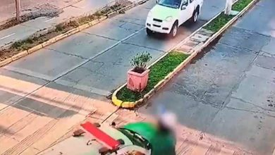 Photo of Cámara registra momento en que patrulla de Carabineros atropella a mujer en paso de cebra