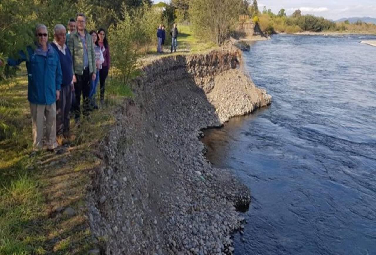 Photo of Denuncian que extracción de áridos está destruyendo ribera del río Cautín en Temuco