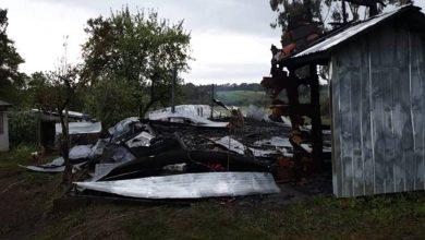 Photo of Encapuchados queman una iglesia evangélica en Victoria