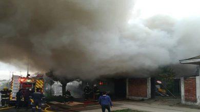 Photo of Incendio afectó a una casa y dos talleres mecánicos en Padre Las Casas