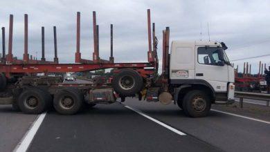 Photo of La Araucanía: 5 detenidos dejó movilización de transportistas que cortaron la Ruta 5 Sur