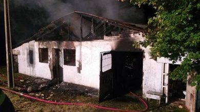 Photo of 3 bomberos lesionados: Incendio afectó a una bodega del municipio de Toltén