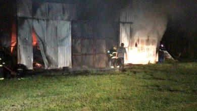 Photo of Desconocidos queman bodega en Lican Ray