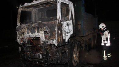 Photo of Encapuchados queman cuatro camiones y una retroexcavadora en Temuco