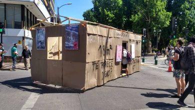 Photo of Estudiantes de Arquitectura  crean la «casa digna» y la movilizan por las calles de Temuco