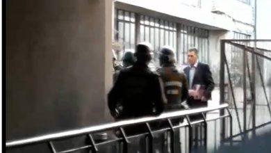 Photo of Hombre denuncia golpiza de Carabineros tras ser detenido y llevado a la Intendencia en el centro de Temuco