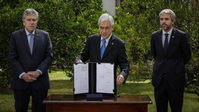 Photo of Piñera firmó proyecto de ley para que FF.AA. cuiden «infraestructura crítica»