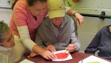 Photo of Cuidadores de adultos mayores de casas particulares y de hogares podrán seguir ejerciendo su labor en cuarentena