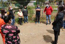 Photo of En Los Sauces familias de campamentos visitan terrenos donde serán emplazadas sus futuras viviendas