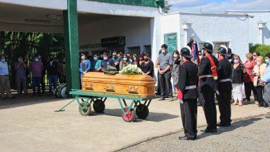 Photo of Voluntarios de La Araucanía, familiares y amigos brindaron último adiós al bombero insigne Hernán Silva