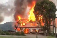 """Photo of Víctima de ataque incendiario en Lautaro afirma que los atacantes incluso querían """"quemar"""" a su madre"""