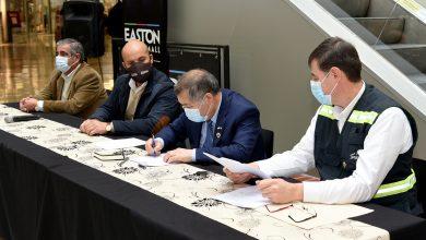 Photo of Municipalidad de Temuco y Outlet Easton Mall firman convenio para crear nueva Farmacia Municipal