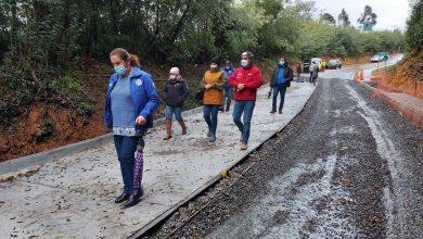 Photo of Seremi de Obras Públicas inspecciona el avance en las obras de mejoramiento del camino Puerto Domínguez – La Misión en Puerto Saavedra