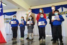 Photo of Municipio entrega 2.400 tablets a niños de Temuco y acorta brecha digital